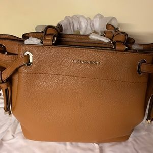 Michael Kors Greta Medium Peblled Leather Satchel-